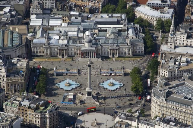 There's lots of see in London's Trafalgar Square. Find out more about this world famous square.