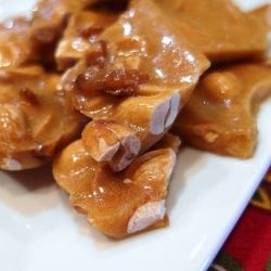 Maple-Bacon Peanut Brittle by onlinepastrychef
