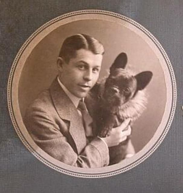 Robert Williams Daniel traveled on the Titanic with his french bulldog Gamin de Pycombe . Robert survived the sinking of  Titanic.  Unfortunately, Gamin did not.