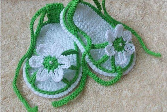 65b1f1d00ee2ad Crochet baby sandals