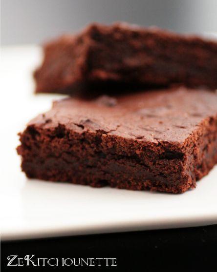 Brownie sans beurre et sans oeuf   un peu de farine et du yaourt Zekitchounette