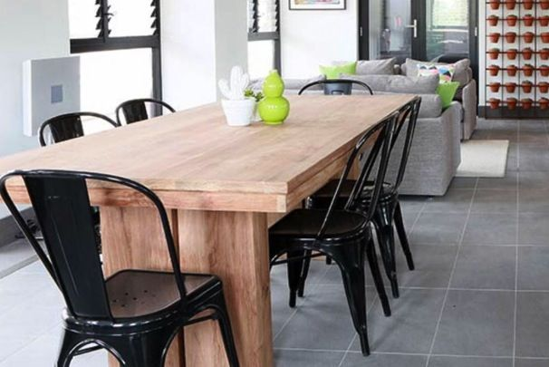 Ethnicraft dining table
