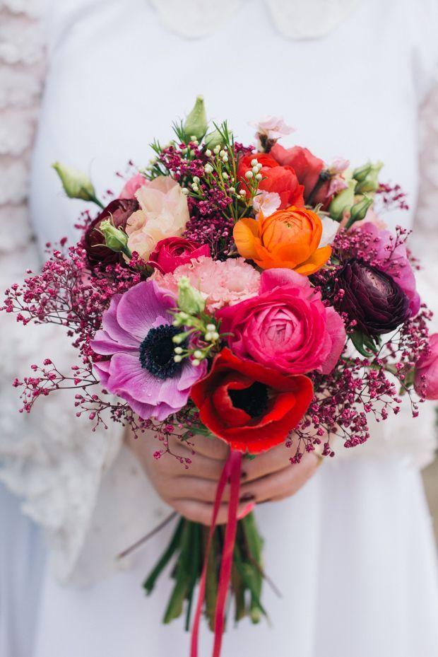 Ramo de novia con amapola morada y amapola roja, ranúnculo, rosas y más ♥ ️ – Bl …
