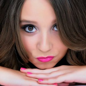 YouTuber #AliBrustofski Answers Your Q's. Watch her video interview here! http://www.missoandfriends.com/scoop/scoop_details.php?article=Ali-Brustofski-Video-Interview&id=2317&topic=celebs