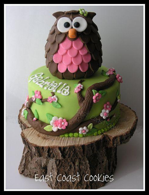 "Best Owl Cake   Owl Cake--Love the ""cake stand"""