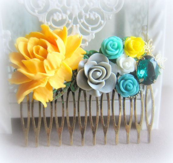 Yellow and turquoise comb.
