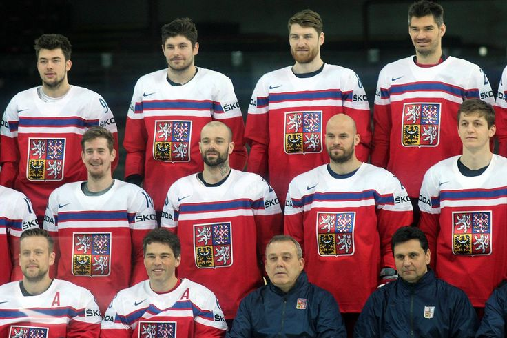 Czech team portrait  jagr looks  younger than half the team https://www.facebook.com/CervenkaRoman10/photos/a.575943435831508.1073741828.575916922500826/840134172745765/?type=1