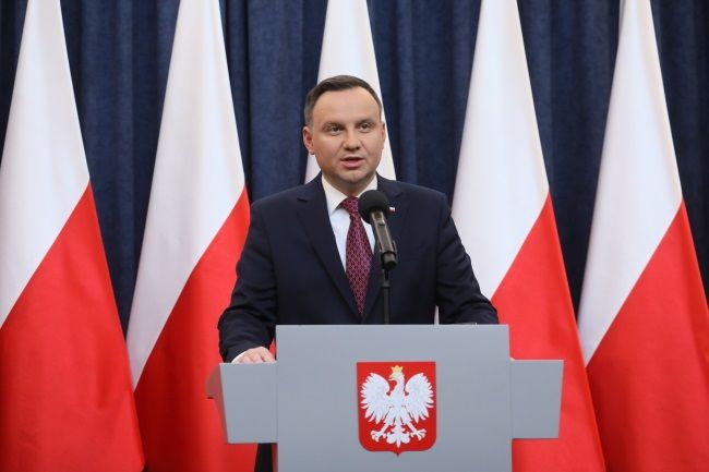 Poland's president on Wednesday announced he has decided to sign into effect two contested laws to reshape the country's judicial system..._