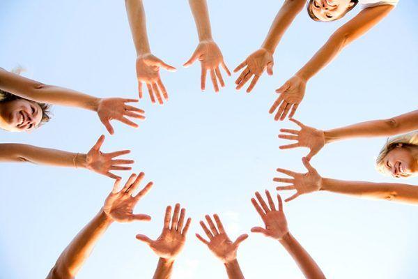 Team Building Activities For Teens - Human Knot