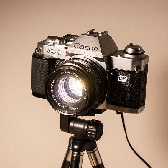 PIPESTORY Upcycled Kamera Lampe / Upcycled Lampe von PipeStoryLamp
