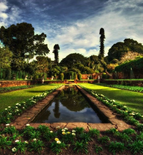 Have a relaxing picnic at the Botanical Gardens!!!