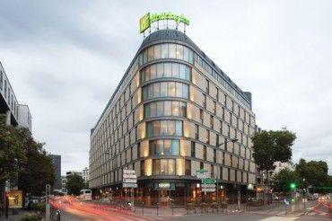 Holiday Inn Paris Porte De Clichy : Hôtel 4 étoiles disposant de 550 m² de salles de réunion. http://www.aleou.fr/salle-seminaire/17853-holiday-inn-paris-porte-de-clichy.html