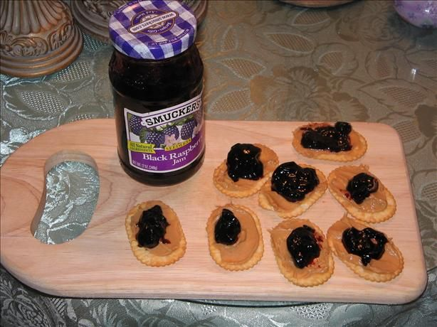 peanut butter and jelly on cracker appetizers.