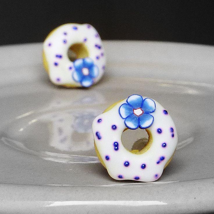 Donutky Náušnice s donuty z polymerové hmoty, průměr 1,3cm, gumové zarážky. (earings)