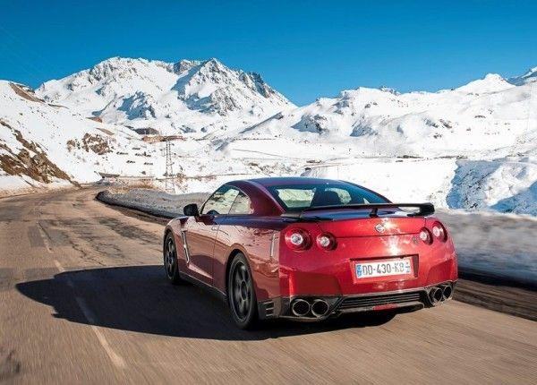 2015 Nissan GT R Reds 600x430 2015 Nissan GT R Review Details