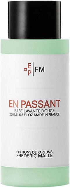 We Adore: The Shower Gel - En Passant from Frédéric Malle at Barneys New York