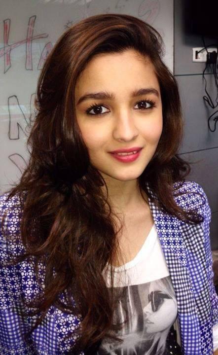 Alia Bhatt cute still