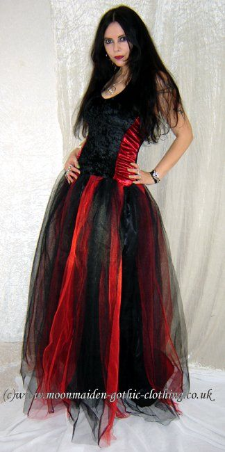http://www.moonmaiden-gothic-clothing.co.uk