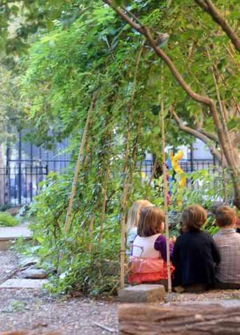School Garden Ideas spruce up school garden 2 Quick Article With Some Tips For Building School Gardens Also I Love How These