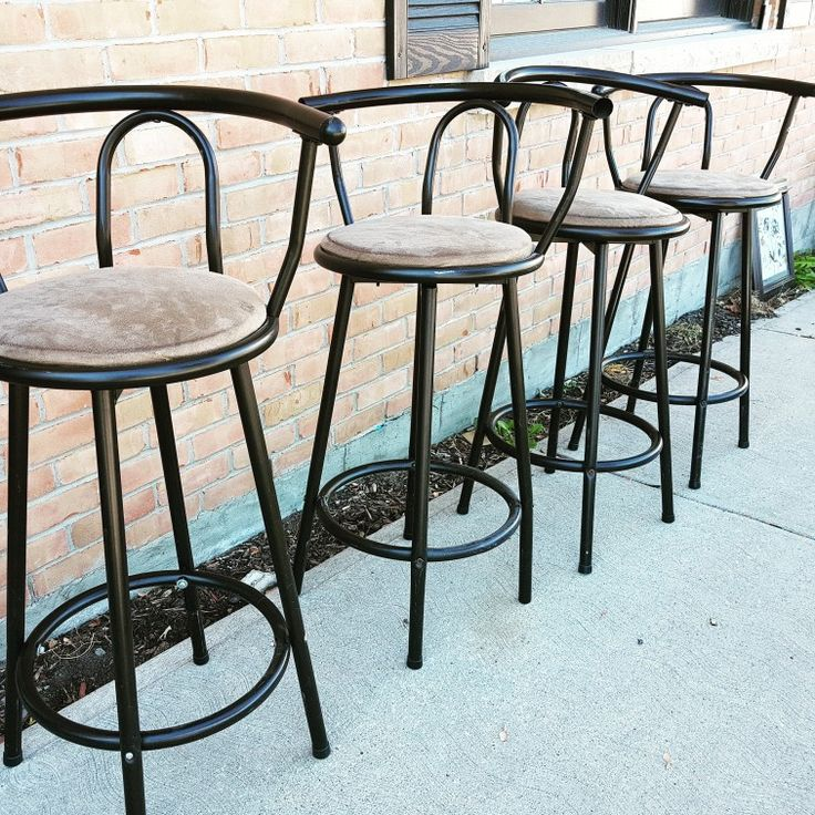 Love these bar chairs! Check them out in store, open today! 60 Pine Street Collingwood #collingwood #shoplocal #furniture #antiques #family #familybusiness #autumn