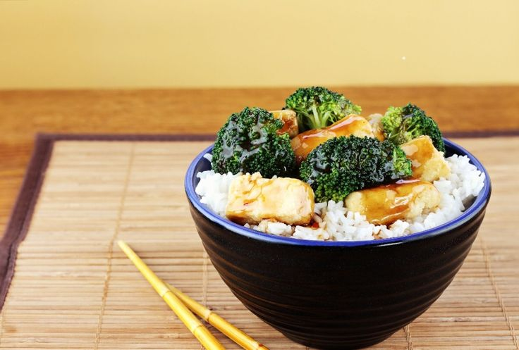 Tofu s brokolicou a ryžou