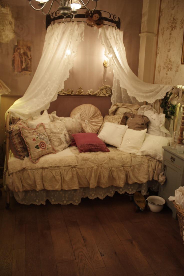 Romantic Beds 117 best romantic bedding images on pinterest   romantic bedrooms
