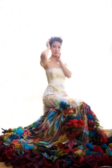 Love this dress!...love clothes that look like a work of art, so beautiful and inspiring