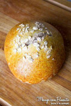 Receita de Pão de Hambúrguer Integral para você fazer um belo lanche em casa. Clique aqui para conferir o modo de preparo no blog Manga com Pimenta.