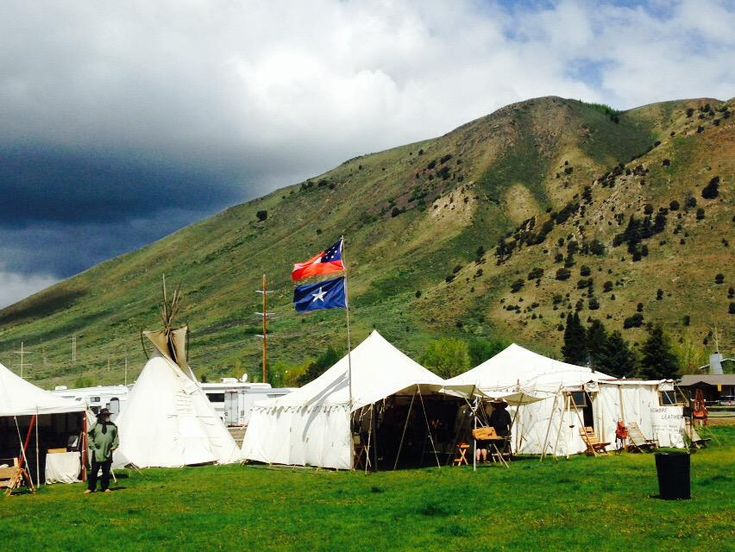 Jackson hole old west days mountain man rendezvous for Rendezvous classic house