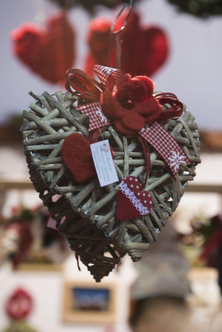Per un Natale romantico, auguri di cuore da Artigiano in Fiera!