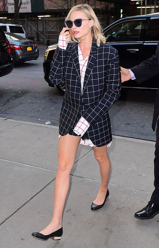 Margot Robbie just wore the prettiest shoes, proving that this particular flat shoe trend is still cool.