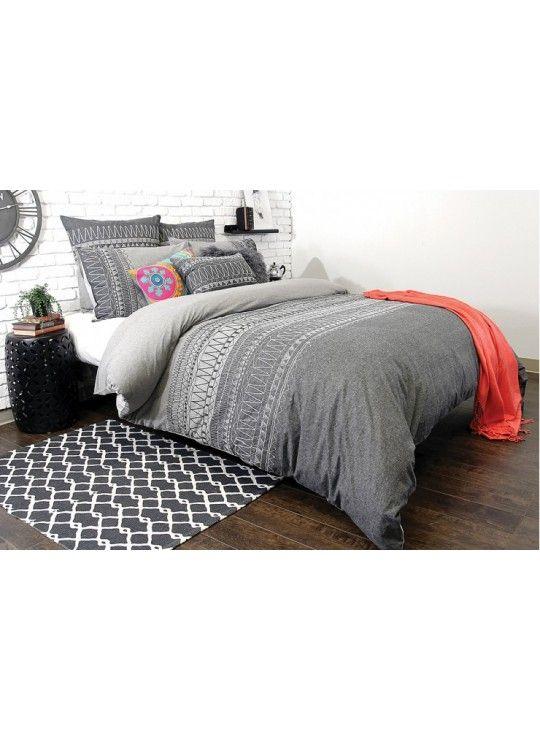 1000 id es propos de housses de couette sur pinterest couvre lits literie de urban. Black Bedroom Furniture Sets. Home Design Ideas