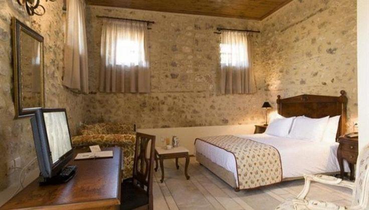 Φώτα στο 4* Semantron Traditional Village στον Ελαιώνα Διακοπτού μόνο με 235€!