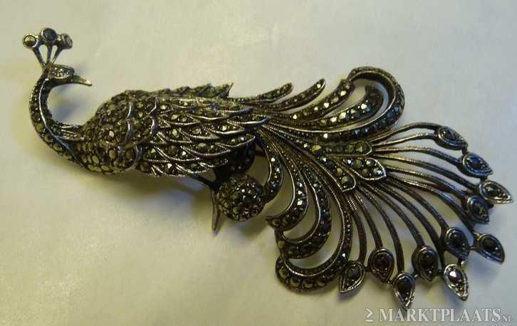 Marktplaats.nl > Antieke Zilveren Pauw/Broche vol met Markasietjes  - Antieke sieraden