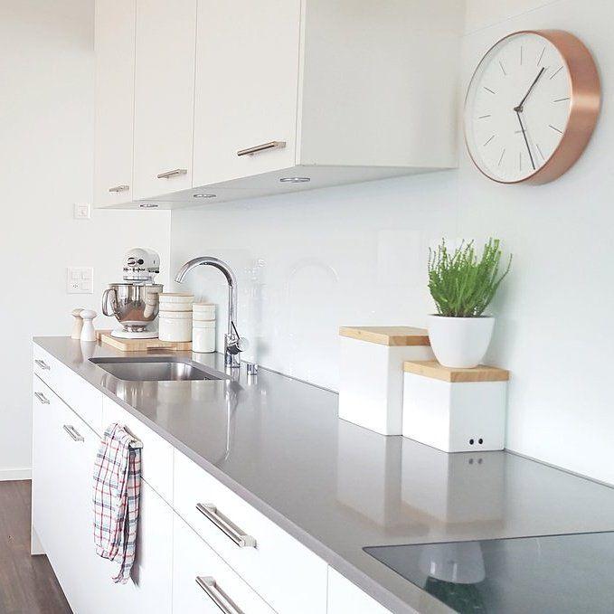 herzstück... #interior #einrichtung #dekoration #decoration #living #Küche #modern #kitchen #moderneküche #weiß #white Foto: miraculusa
