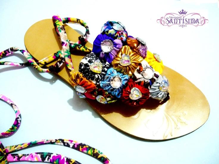 Sandalia Triangular  Color: multicolores o por tonos deseados  Confección Manual.  Si deseas adquirir los productos de Siempre Santísima, comunícate al 301 418 61 66