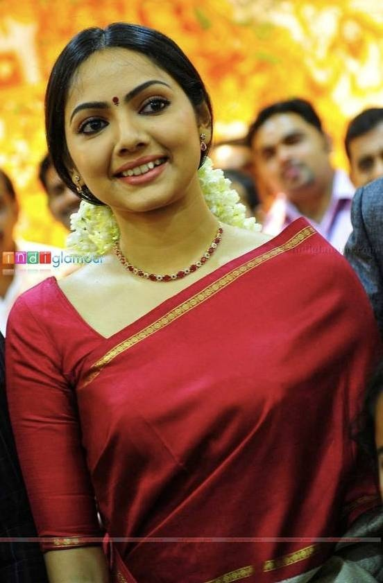 There is beauty in simplicity... Mrs. Samvrutha malayalam film actress