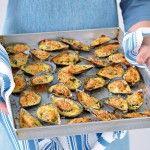 Guarda come cucinare in modo semplice e veloce le cozze ripiene. Scopri i dettagli della ricetta su Sale&Pepe.
