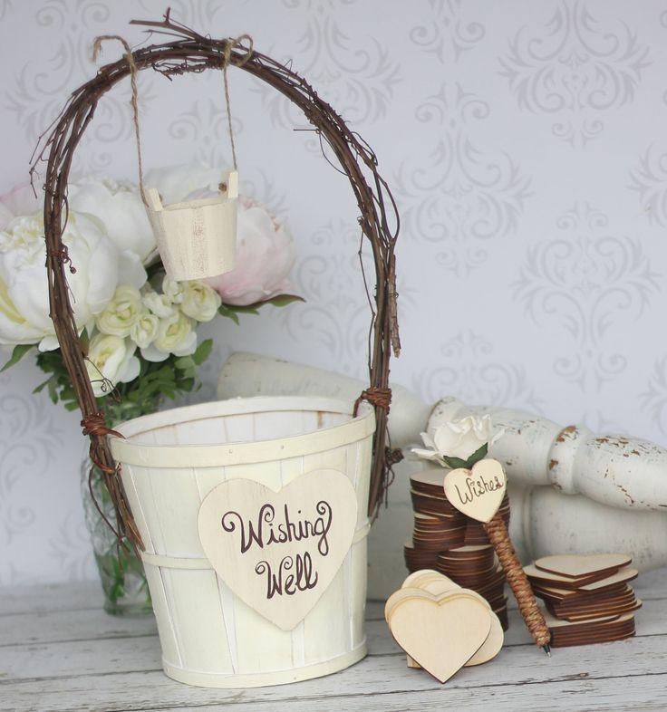 idée originale de déco pour mariage - corbeille DIY , décoré d'un cœur découpe en bois