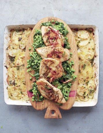 Poulet doré, légumes braisés et gratin de pommes de terre - Jamie Oliver : 4 dîners en moins de 15 minutes