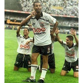 Sport Club Corinthians Paulista - Único jogador do Corinthians a ter conquistado três títulos do Brasileirão: Dinei