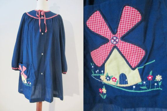 70s Navy Tunic Blouse w/ Quilted Windmill by Smart Time, XS-S // Vintage Loose Fitting Folk Smock Frock // Maternity Shirt
