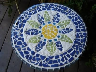 Mosaic Tabletop - gonna do this with a thrift store end table.