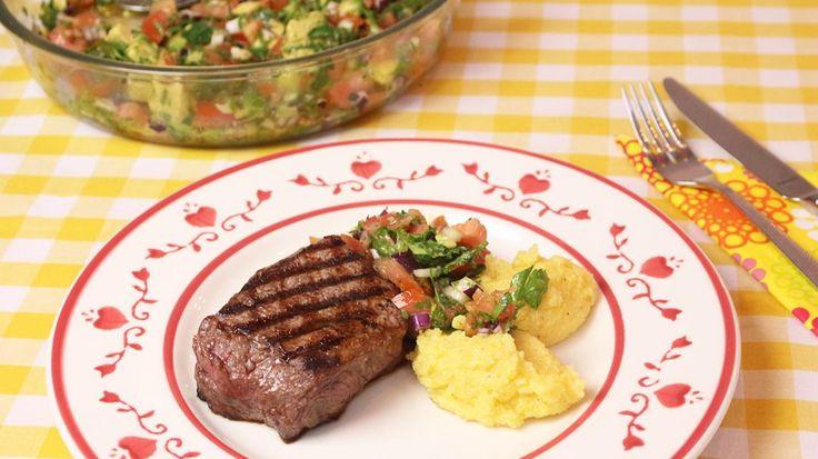 Gegrilde steak met avocadosalsa en polentacrème | VTM Koken