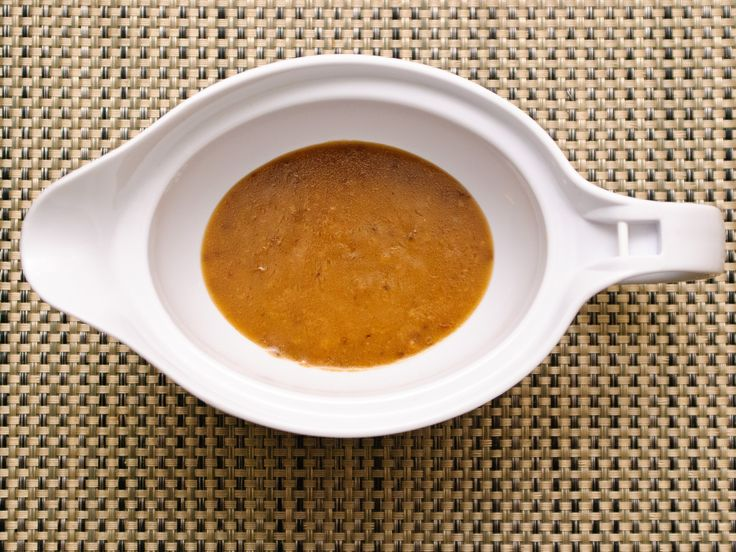 Brown gravy can be made from a package but it's so much nicer when you make your own from scratch. There are many possible ways to make brown gravy but they're all fairly standard in terms of the method. This article provides a few...