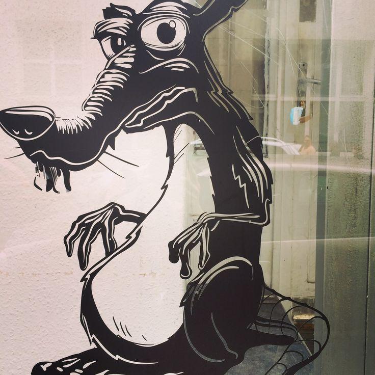 Budapest Street Art :http://www.wordfromabroad.com/budapest-street-art-photos
