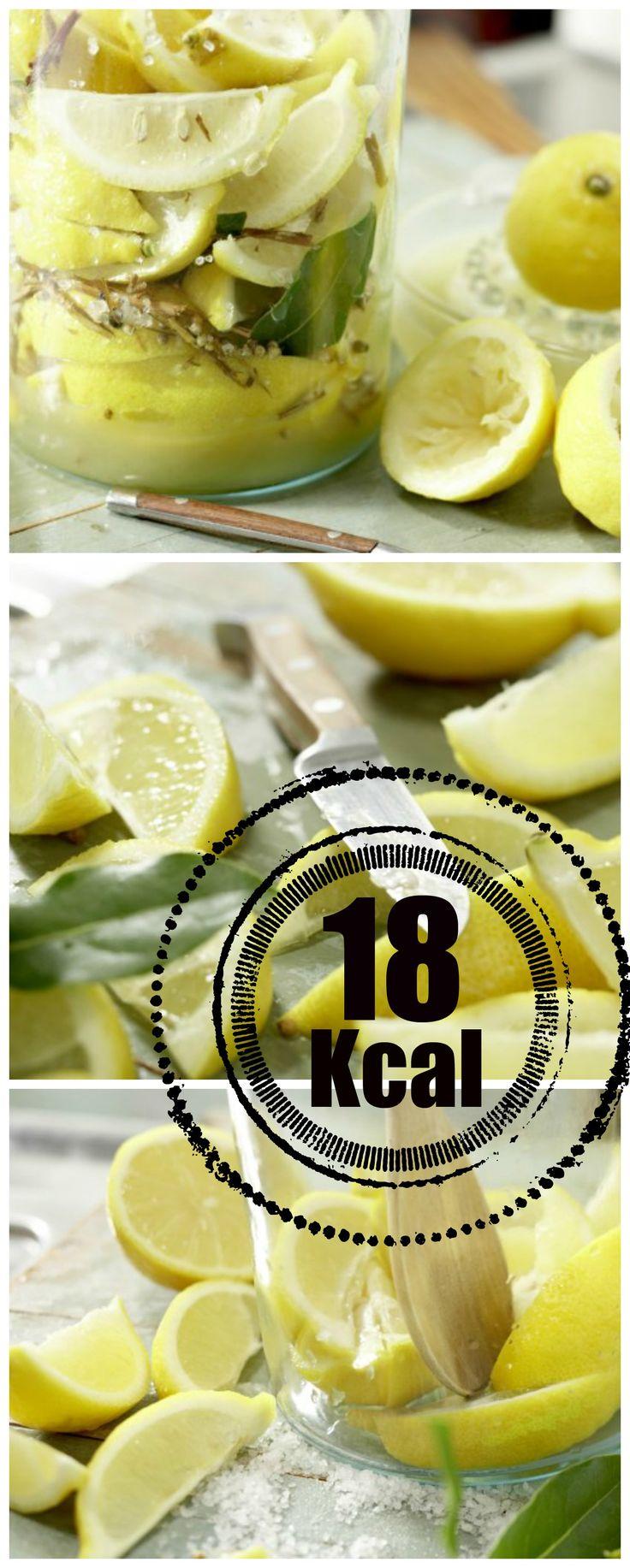 Die Südfrucht mal anders – so kann sie eine fruchtig-frische Note verleihen: Eingelegte Zitronen nach marokkanischer Art | http://eatsmarter.de/rezepte/eingelegte-zitronen