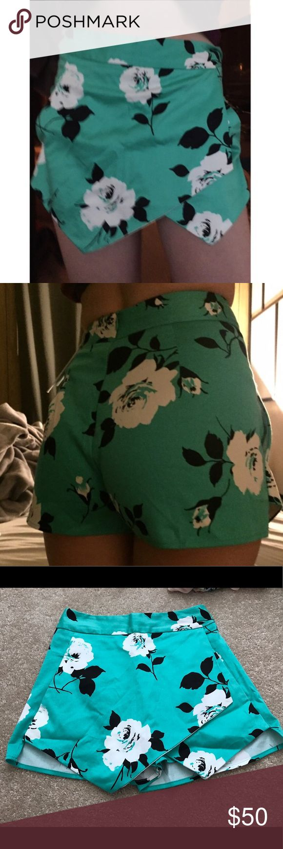 """Aqua Teal Blue Green Skort Skirt Shorts XS Floral XS fits 00-1 or 23-25"""" waist, my waist is 25"""" or size 1 and it's a little tight so maybe perfect for 24"""" Aqua Shorts Skorts"""