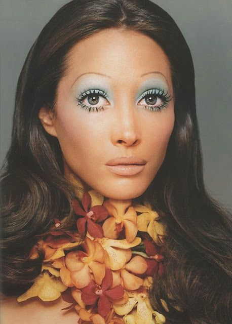 Yikes, that makeup though.... Big eyes were BIG. It reminds me a lot of Twiggy when she was 17.