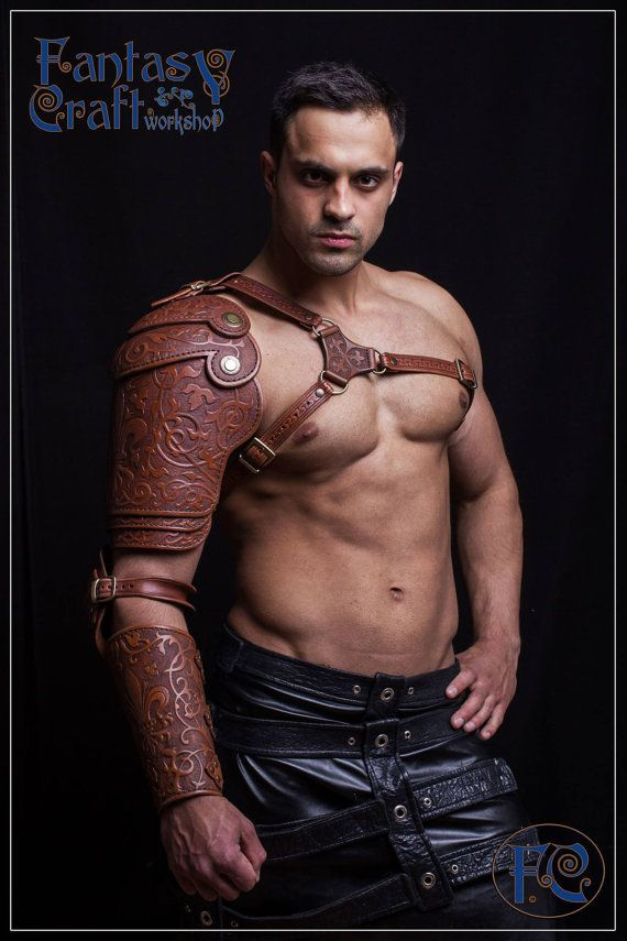 Leather shoulder armor pauldron от FantasyLeatherCraft на Etsy